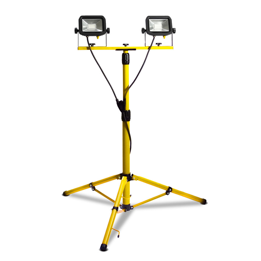 Luceco LSLTTW2181V 44W 3600lm LED Pre-Wired Twin Head Tripod Work Light