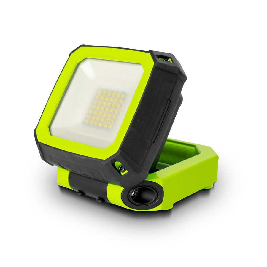 Luceco LWR7G65 Green 7.5W 750lm Rechargeable Compact Magnetic Work Light